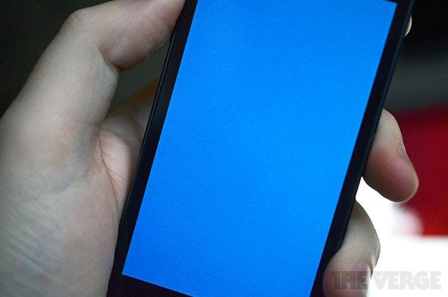 айфон не перезагружается синий заработал сам праздниками